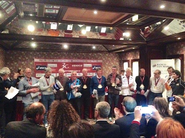 """Premiati i """"fedelissimi"""" della Venicemarathon"""