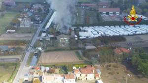 Incendio di un deposito di roulotte divampato a Cavallino Treporti