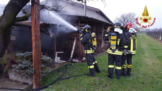 Incendio di una legnaia