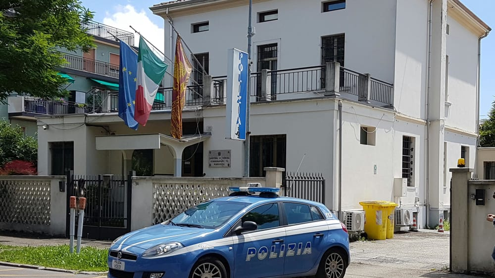 Marghera individuato dalla polizia tunisino ricercato for Questura di venezia marghera permesso di soggiorno