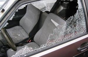 finestrino rotto cavallino