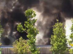 Rimorchio di un camion in fiamme sul Passante