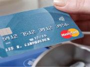 Usano la sua carta di credito indebitamente: 3 fermati