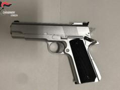 Caorle: minaccia la titolare di un bar con una pistola