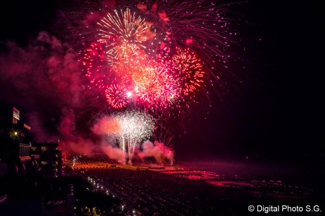 Ferragosto 2018: il festival del fuoco sulla spiaggia di Jesolo