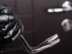 Tentano un furto in abitazione: arrestati due giovani