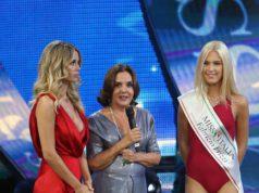 Miss Italia standing ovation in memoria di Fabrizio Frizzi