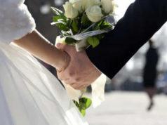 Don Cristiano Bobbo: una tassa per le spose scollate