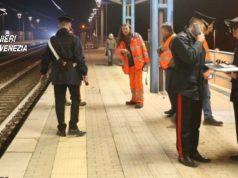 Tenta il suicidio alla stazione dei treni
