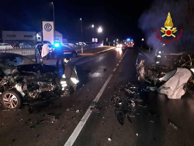 Portogruaro, scontro frontale tra due auto a Capodanno
