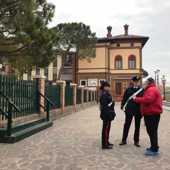 Venezia: calci e pugni contro un 16enne