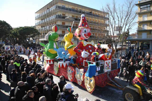 Il Carnevale invade Jesolo con feste e sfilate