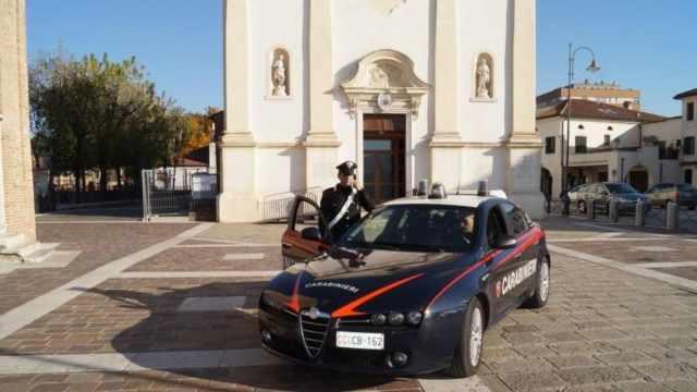 """Spinea loc. Catene. Donna spaccia Cocaina e Hashish con il """"bodyguard"""". Arrestata dai Carabinieri."""