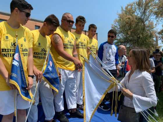 Regata interistituti di voga alla veneta 2019 vince l'ITS Marinelli Fonte