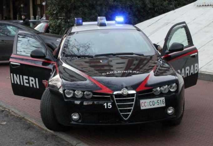Sequestrate 1600 auto usate per furti e rapine: 10 arresti