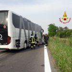 Schianto tra auto e bus sulla Triestina: due morti